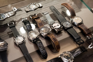 red_bar_melbourne_watches